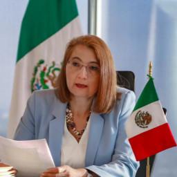 Dra. Luz María de la Mora